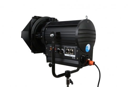 LED FRESNEL SPOT LIGHT SW-CSJ200Ws Tungsten