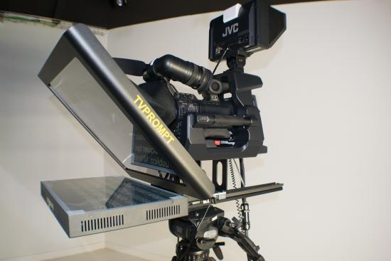 TVPROMPT STUDIO TELEPROMPTER 17